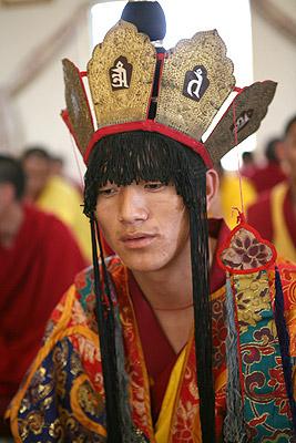 Монах в костюме тантрического божества