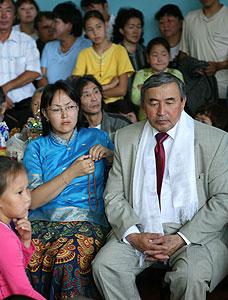 Председатель Правительства Тувы Шериг-оол Ооржак и председатель благотворительного фонда