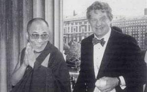 Роберт Турман: «Мы должны встать с подушек для медитации»