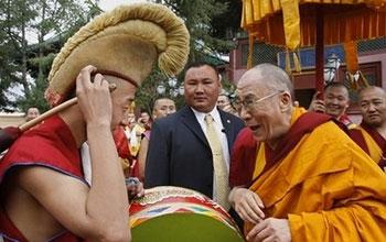 Его Святейшество Далай-лама прибывает в Монголию