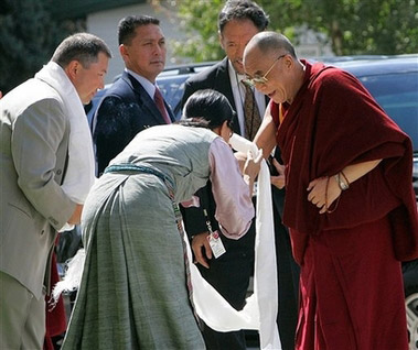 Шаджин-лама Тэло Тулку Ринпоче и племянница Далай-ламы Тензин Чодон Гьяцо