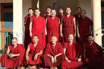 буддийский монах фото