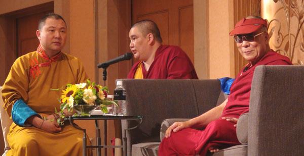 Далай-лама трижды призвал монгольские народы развивать в себе «дух Чингисхана»