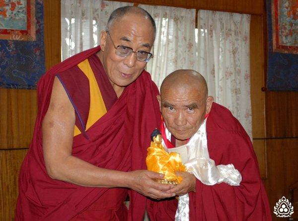 Далай-лама придает большое значение учениям для буддистов России