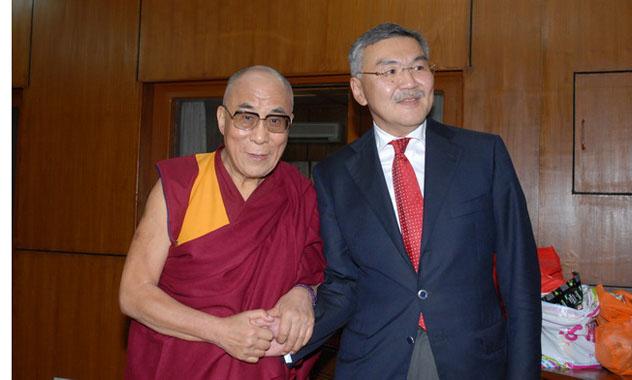 Глава Республики Калмыкия встретился с Далай-ламой