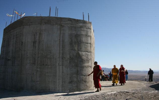 На горе Догээ в день рождения Далай-ламы XIV были проведены молебны