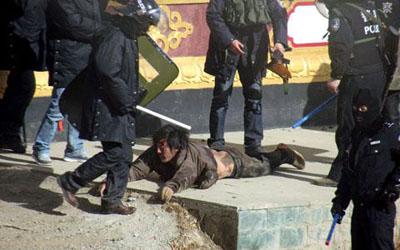Еще трое тибетцев совершили самосожжения в городе Сертхар провинции Сычуань