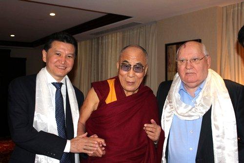 Кирсан Илюмжинов пригласил Далай-ламу посетить Калмыкию с пасторским визитом