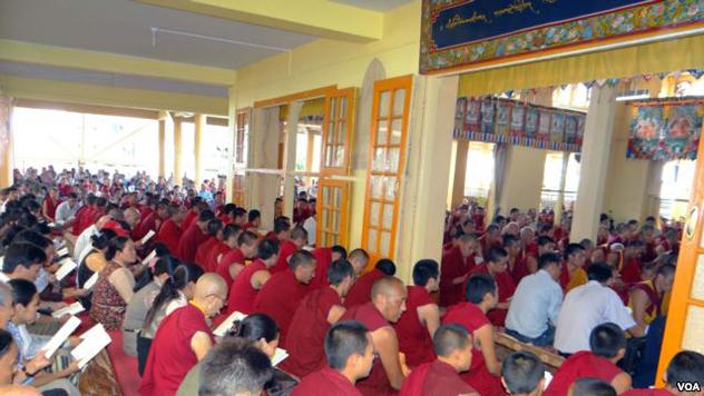 В Дхарамсале прошел массовый молебен в память о тибетце, совершившем самосожжение
