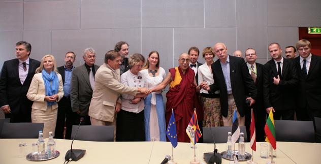 Паломничество на учения и лекции Далай-ламы в Латвии, Литве и Чехии