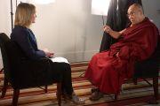 Его Святейшество Далай-лама дает интервью компании TVNZ One в Окленде, Новая Зеландия. 12 июня 2013 г. Фото: Джереми Рассел (ОЕСДЛ)