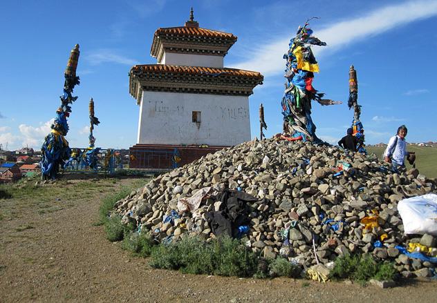Хамбын-обо в Монголии – место массовых казней буддийских монахов красными революционерами