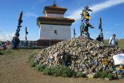 Мемориал на Хамбын-обо (фото: С.Л. Кузьмин).