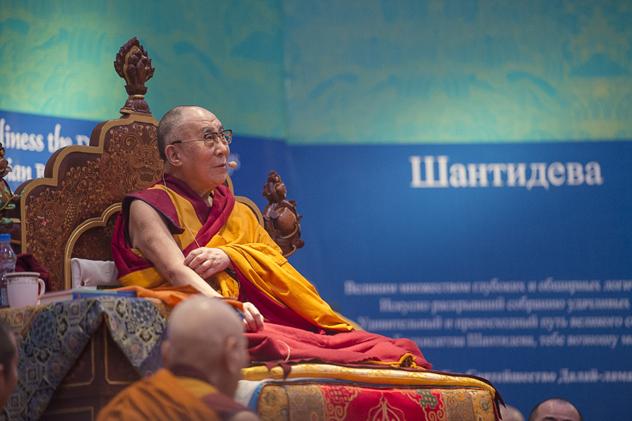 Далай-лама: для мира на земле нужен покой в умах