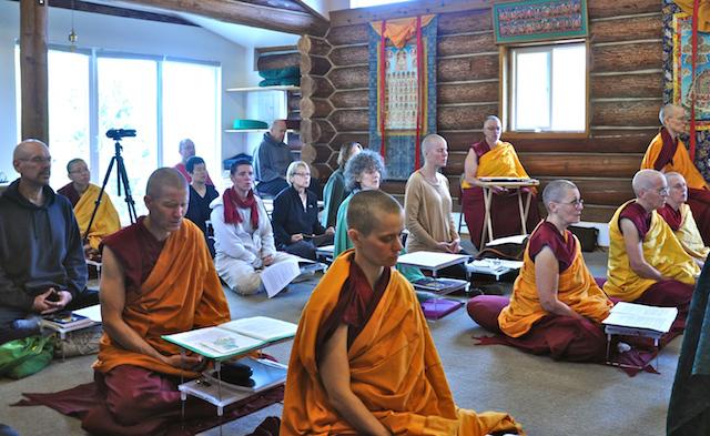 «Друзья Аббатства Шравасти» приглашают на цикл встреч по комментарию на «Самоцветный светоч» Куну Ламы Ринпоче