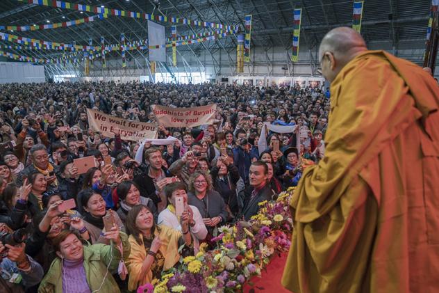 Далай-лама призвал брать на себя ответственность за все человечество