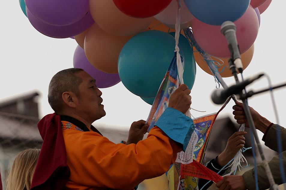 Фото и видео. В Туве отпраздновали день рождения, просветления и паринирваны Будды