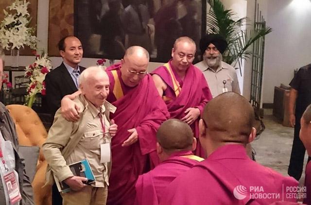 Далай-лама и российские ученые объединяют усилия в поиске счастья для всех
