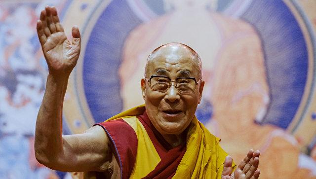 Далай-лама молится о приезде в Россию