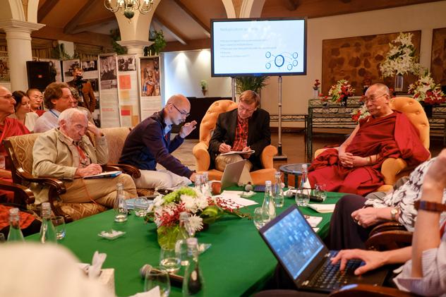 Что далай-лама пожелал российским учёным