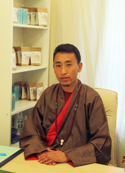 Консультации по тибетской медицине: приём Нгаванга Сангье Ламы в Москве