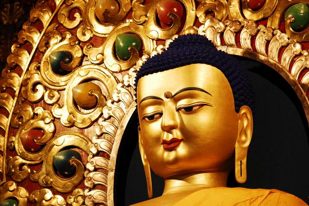 16 мая наступает священный буддийский месяц