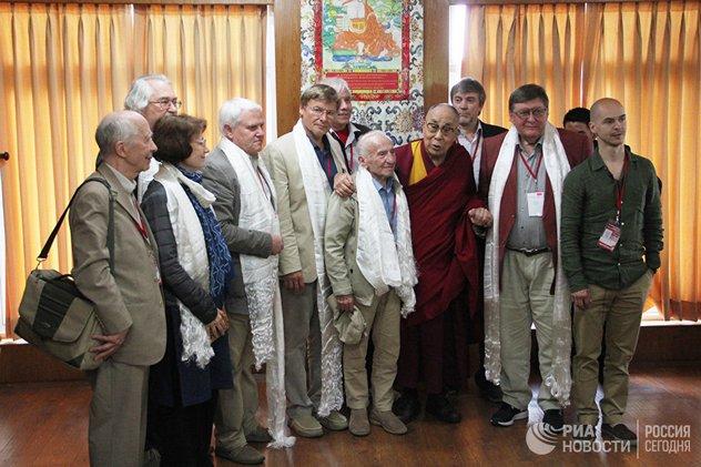 Далай-лама о врагах, марксизме и третьей мировой войне