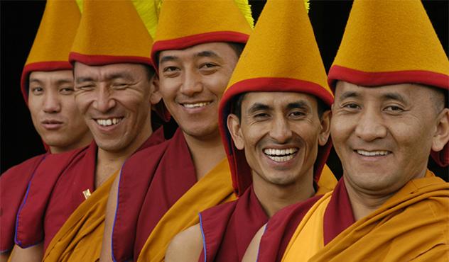 День рождения Его Святейшества Далай-ламы в Москве. Мистерия Цам и фильм «Шафрановое сердце»