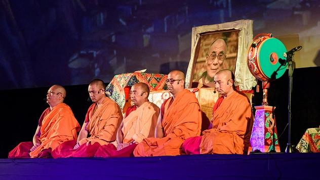 Официальная делегация монахов из монастыря Таши Лхунпо посетит Санкт-Петербург