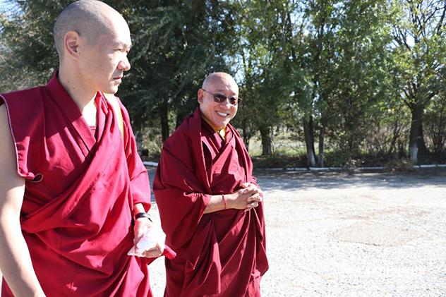 В Калмыкию прибыл государственный оракул Тибета