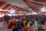 Вид на павильон, установленный для проведения учений Его Святейшества Далай-ламы, на которые собралось более 15 000 человек. Санкиса, штат Уттар-Прадеш, Индия. 3 декабря 2018 г. Фото: Лобсанг Церинг.