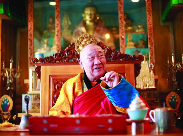 """Настоятель монастыря Гандантэгченлин хамбо-лама Д. Чойжамц: """"Год Земли-Свиньи будет дождливым, благоприятным для детей и стариков"""""""