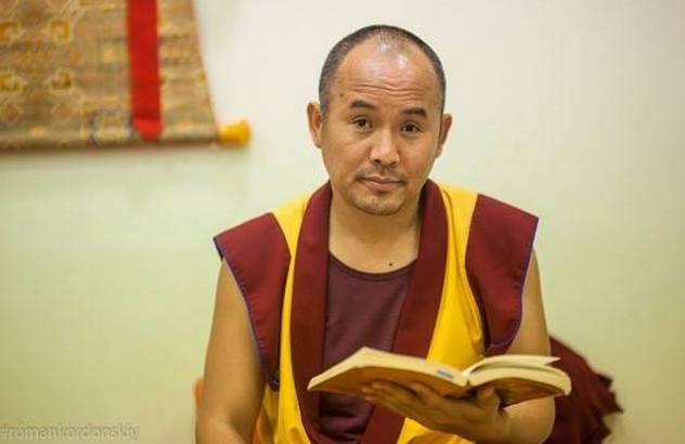 Геше Нгаванг Тукдже проведет учения и практики в Санкт-Петербурге
