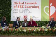 Доктор Брендан Озава де Сильва выступает с докладом о школьной программе социального, эмоционального и этического образования (СЭЭО). Нью-Дели, Индия. 5 апреля 2019 г. Фото: Тензин Чойджор.