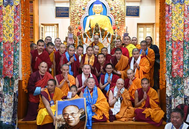 Фотографии российских паломников с Его Святейшеством Далай-ламой. Дхарамсала – 2019