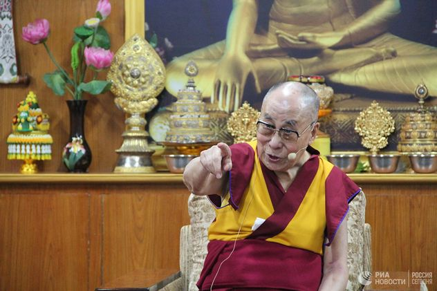 Далай-лама объяснил, почему критически настроен к Трампу