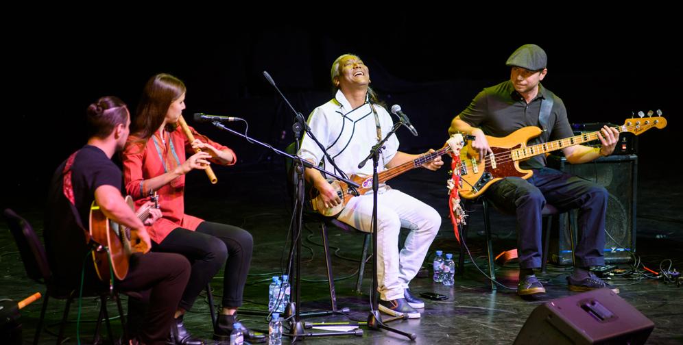 Видео. Тензин Чогьял. Концерт в Москве в честь дня рождения Далай-ламы