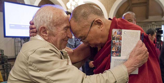 О философии, встречах с Далай-ламой, карате-до и поэзии. Интервью с Д.И. Дубровским