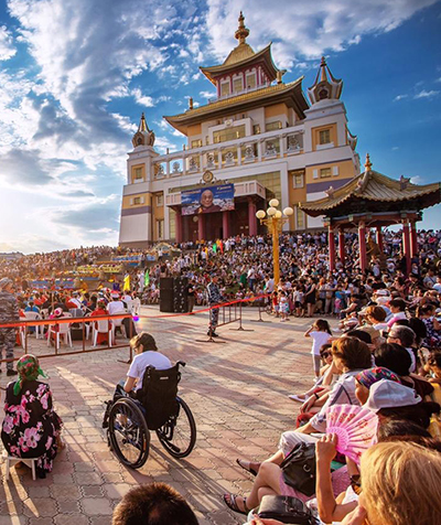 Валерий Андросов: «К сожалению, наши политики не пускают Далай-ламу – боятся китайской ноты протеста»