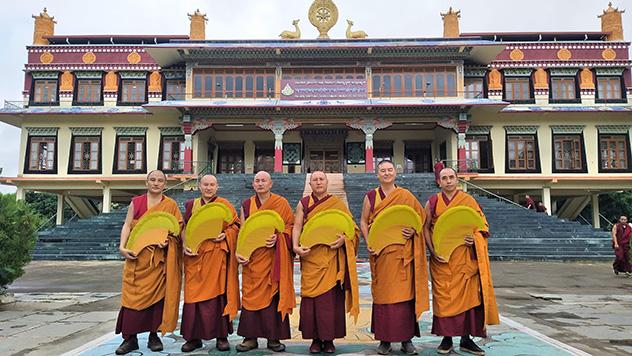X Официальная делегация монахов из монастыря Дрепунг Гоманг прибывает в Москву