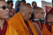 Монахи и верующие во время ритуала освящения статуи Будды Майтреи в Лагани. 22 сентября 2019 г. Фото: «Лагань Даргьелинг Хурул».