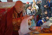 Досточтимый Ело Ринпоче во время ритуала освящения статуи Будды Майтреи в Лагани. 22 сентября 2019 г. Фото: «Лагань Даргьелинг Хурул».