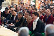 Президент Центральной тибетской администрации Лобсанг Сенге и министры слушают обращение Его Святейшества Далай-ламы. Дхарамсала, штат Химачал-Прадеш, Индия. 6 октября 2019 г. Фото: Тензин Чойджор (офис ЕСДЛ).