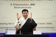 Президент Центральной тибетской администрации Лобсанг Сенге отвечает на вопросы делегатов Восьмой международной конференции групп поддержки Тибета. Дхарамсала, Индия. 3 ноября 2019 г. Фото: Тензин Джигме (ЦТА).