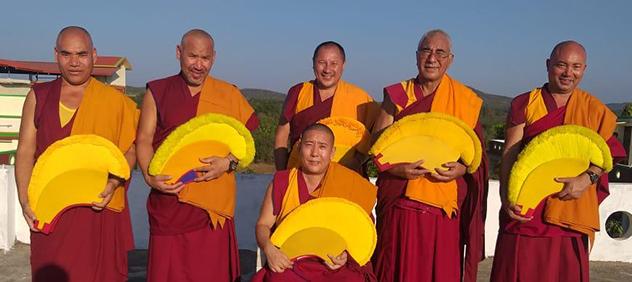 По приглашению Центрального хурула Калмыкии Россию посетит делегация землячества Нгари монастыря Дрепунг Гоманг