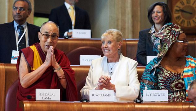 Далай-лама выразил соболезнования в связи с кончиной лауреата Нобелевской премии мира Бетти Уильямс
