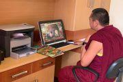 Монахи монастыря Таши Лхунпо во время отборочного скайп-интервью с руководителем проекта Святославом Медведевым. 13 июля 2020 г.