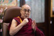 Его Святейшество Далай-лама обращается по видеосвязи к монахам, собравшимся в монастыре Гандан Тегченлинг в Монголии, чтобы принять участие в традиционных философских диспутах. 15 октября 2020 г. Фото: дост. Тензин Джампхел.