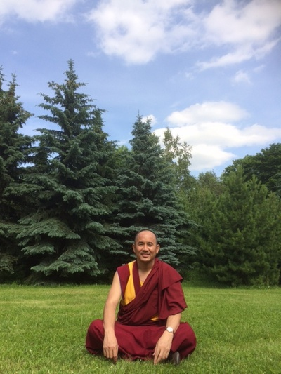 Геше Нгаванг Тукдже продолжает даровать онлайн-учения